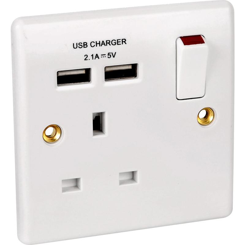 BG Slim White Moulded SP USB Switched Socket